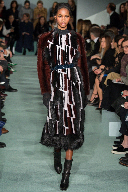 Photo by Yannis Vlamos/Indigital.tv, Vogue.com, Oscar de la Renta Fall 16
