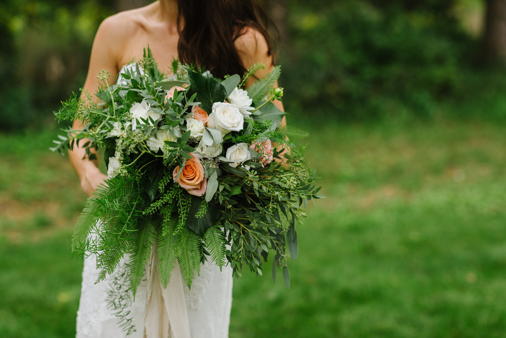 bride-bouquet-greenery-ribbon