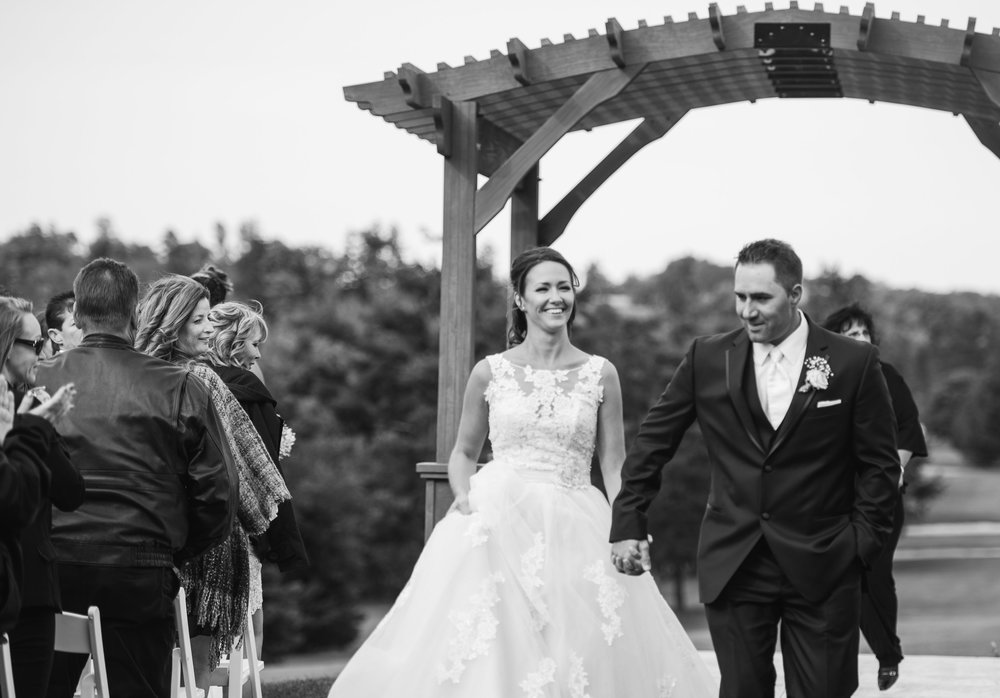 outdoor-ceremony-recessional-golf-course