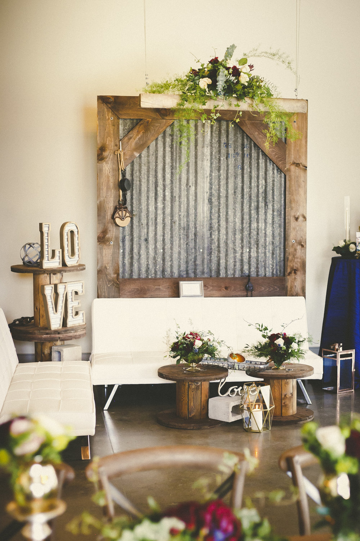 hanging-florals-rustic