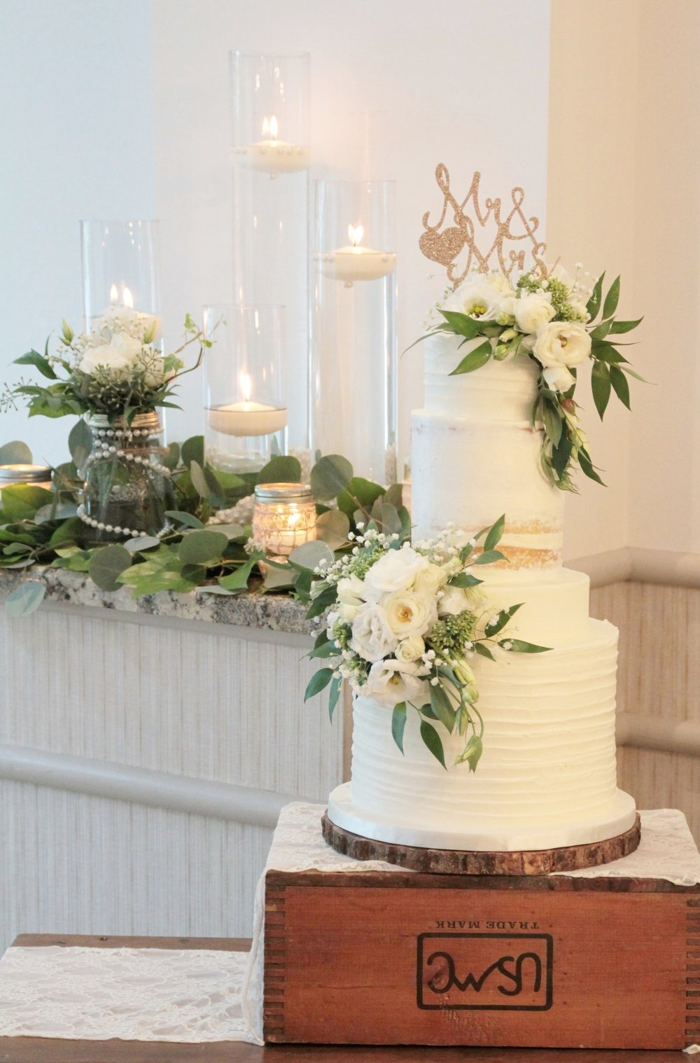 naked-cake-greenery-candlescape
