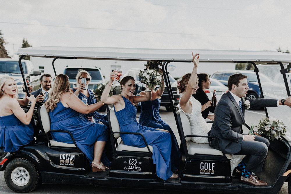 golfcourse_wedding_limo_weddingparty.jpg