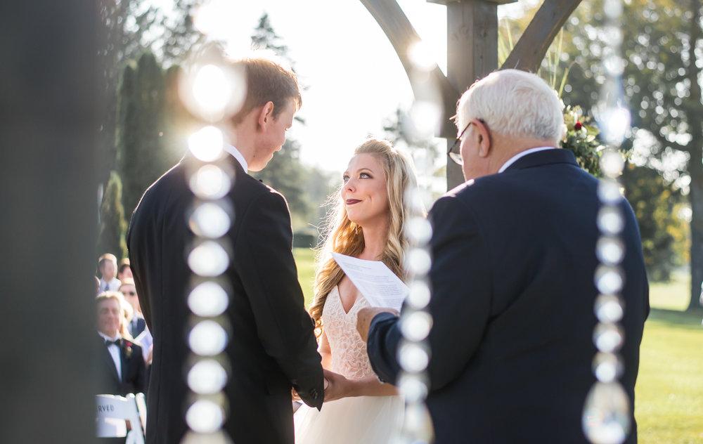 bride_groom_outdoor_ceremony_vows