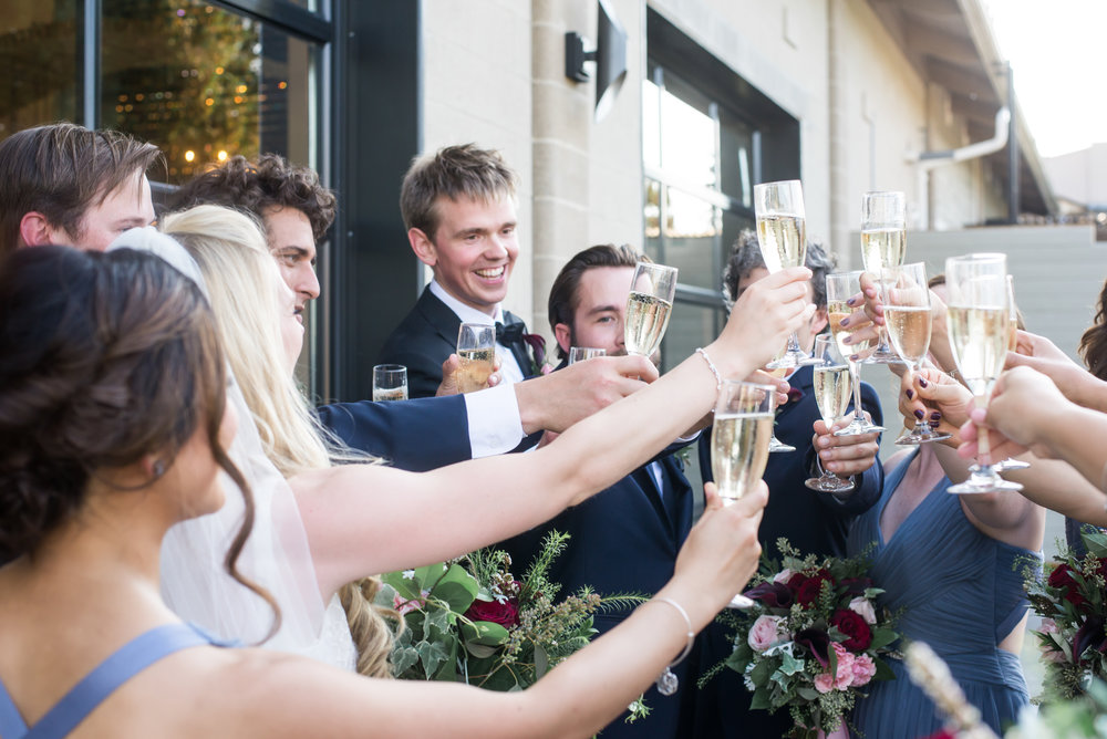wedding_party_champagne_toast