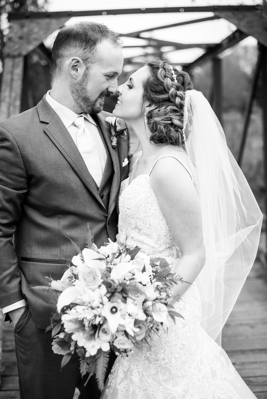 bride_groom_portraits_wedding_blackandwhite.jpg