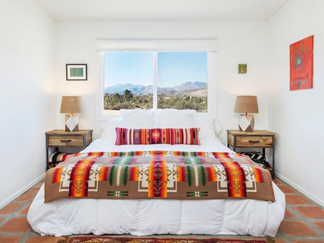 comfy digs at the @desertreset ⠀⠀⠀⠀ ⠀⠀⠀⠀ Join them again in #joshuatree next February to celebrate Valentines weekend... so you can hit reset and return home refreshed, inspired, and reinvigorated expansiveness to think in new ways. Book now on Seek Retreat ⠀⠀⠀⠀ .⠀⠀⠀⠀ .⠀⠀⠀⠀ .⠀⠀⠀⠀ .⠀⠀⠀⠀ #desertreset #retreat #joshuatree #hypnotherapy #spirituality #bonding #travelwithmeaning #soulfuladventure #inspiration #travel #wanderlust #adventuremore #intothewild #alifealive #stayandwander #letsgosomewhere #wherewillwegonext #livewild #doyoutravel #theglobewanderer #ourplanetdaily #discoverearth #artofvisuals #theglobewanderer #retreat #yoga #yogaretreat #yogaeverywhere #seekgrid