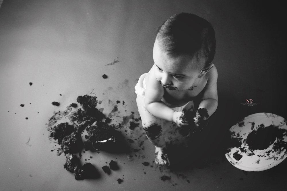Cake Smash Black and white Portrait