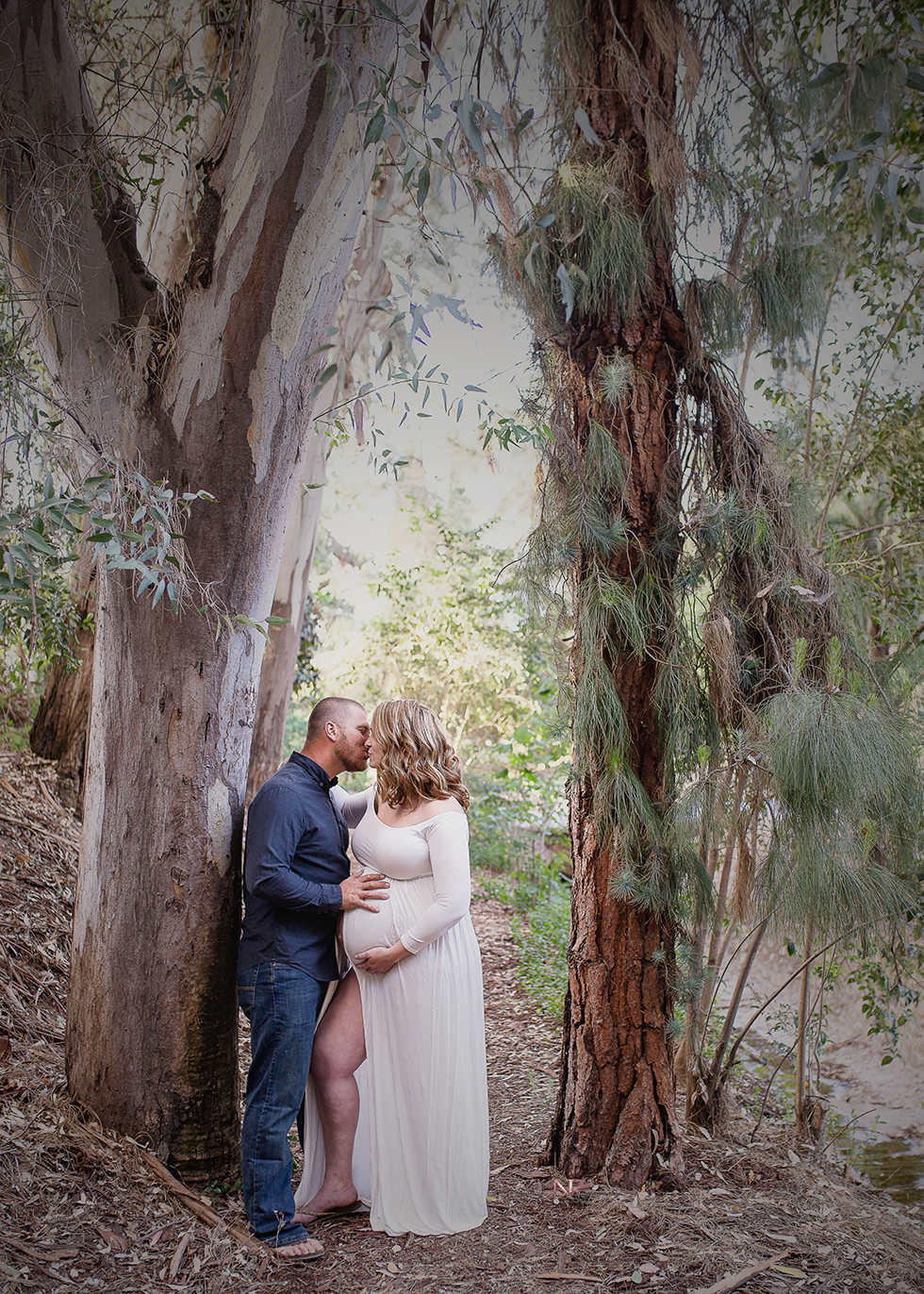 The framing trees!  The kiss!  Oh My I can see this hanging in any room!