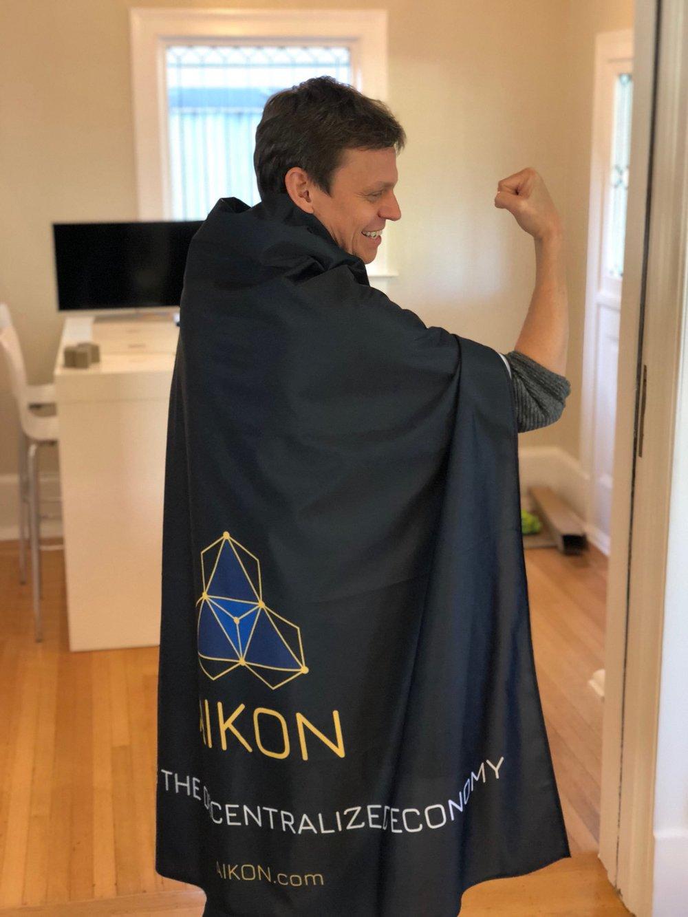 Tray AIKON Superhero.jpg