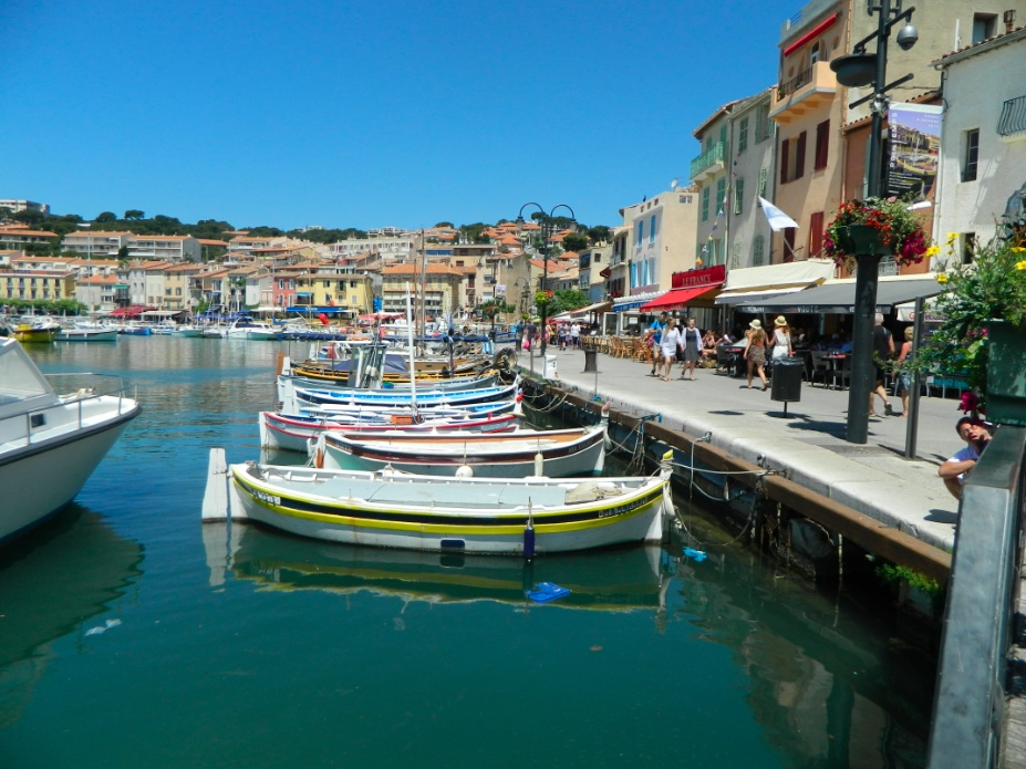 cassis boat dock