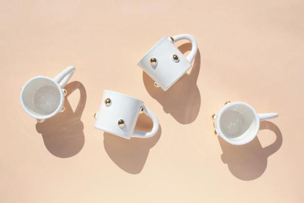 Bump Mug in White/Gold