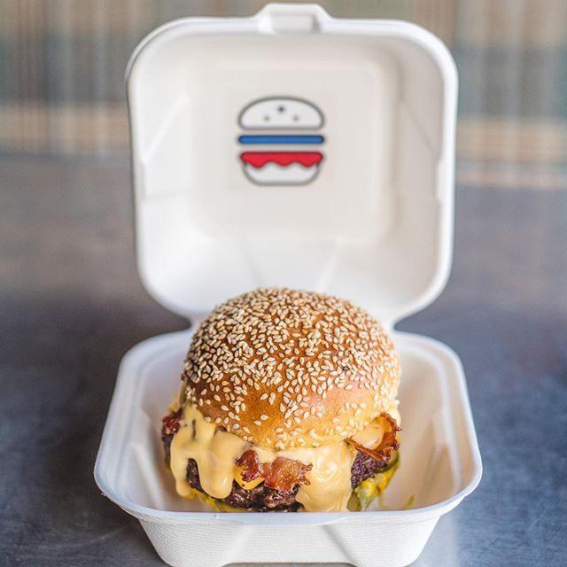 Happy Friday ✌🏾🍔👍🏻 . . #libertineburger #🍔 #burgers #streetfood #foodie ##streetfeast #burgerporn #burgertime #burgerlove #instafamous #buzzfeast #buzzfeedfood #yahoofood #foodpicsfood #goodfood #foodstagram #foodlover #eat #foodporn #foodblogger #birmingham #finedinning #bbq #streetfood #eatrealfood #steak #burgers #EEEEEATS #aubreyallen #dryagedbeef