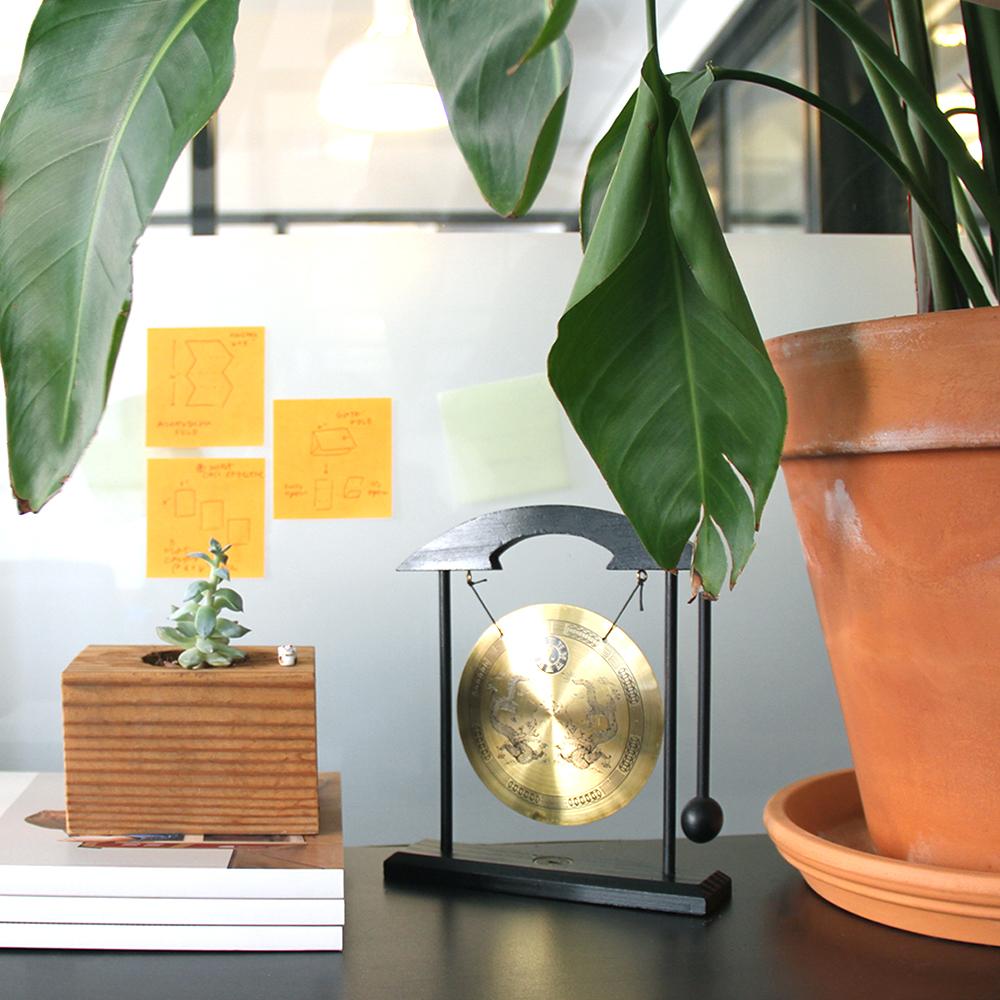 desk_square.jpg