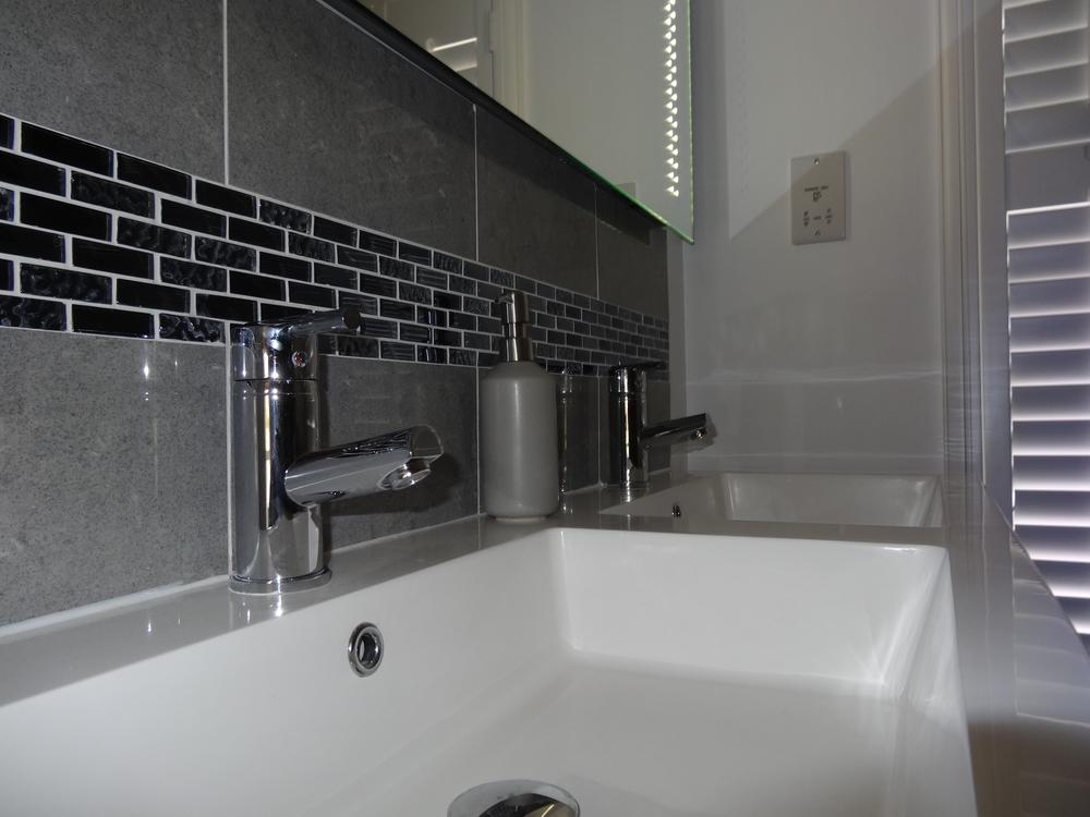 bath3 1 v2.JPG