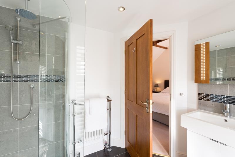 Rm 3 Bath 3.jpg