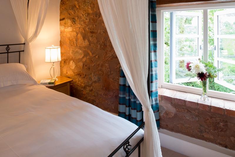 Bed, Breakfast & Mor   istinctive Accommodation on the Somerset / Devon border    Book Now