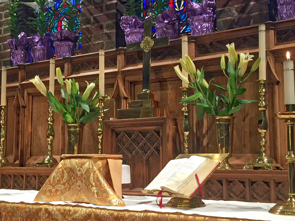 St. George's & St. Matthew's altar_HDR.jpeg