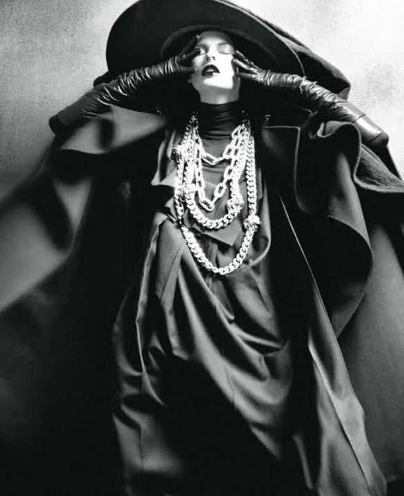 Linda Evangelista, Steven Meisel, Vogue Italia, August 2009