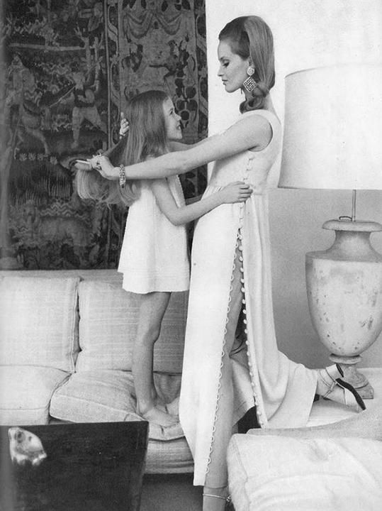 celia hammond helmut newton vogure uk feb 1968.jpg