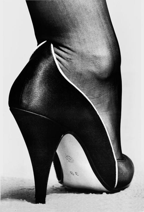 publicite for walter steiger monte carlo helmut newton 1983.jpg
