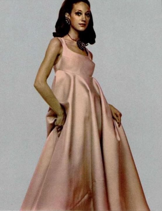 Marisa Berenson in Madame Gres, L'Officiel 1969