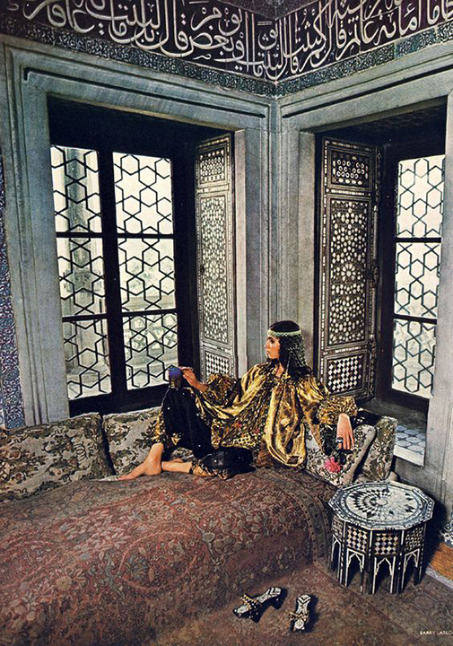 Thea Porter, Baghdad Room of Topkapi, Barry Lategan, Vogue November 1971
