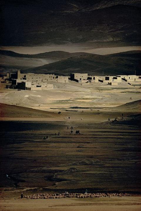 Maroc Haut Atlas Moussen Imilchili, Harry Gruyaert, 1976