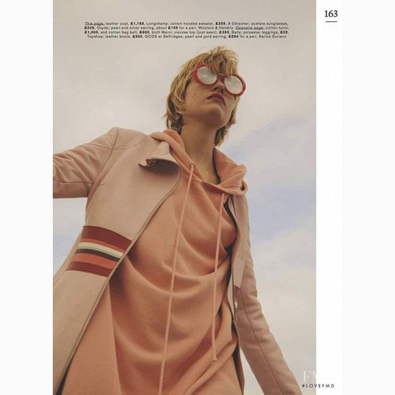 David Gomez Maestre, Louise Parker in Longchamp and A Detacher, Think Pink, Marie Claire, March 2017