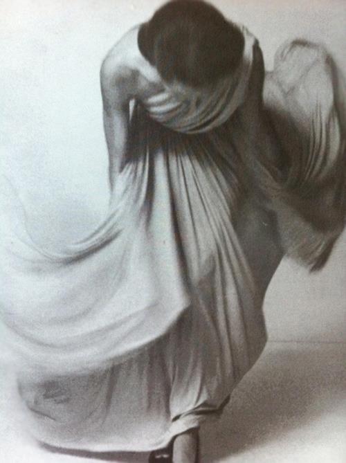 Louis Faurer Bowing for the Vogue collections, Paris 1972