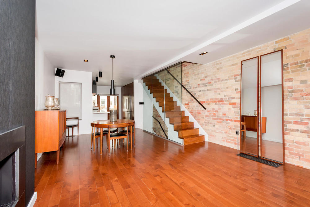 128 Booth Ave Toronto ON M4M-large-007-20-Living Room-1500x1000-72dpi.jpg