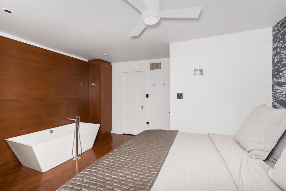 128 Booth Ave Toronto ON M4M-large-016-18-Master Bedroom-1500x1000-72dpi.jpg
