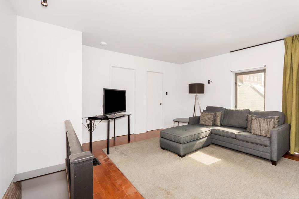 128 Booth Ave Toronto ON M4M-large-021-29-Bedroom 3-1500x1000-72dpi.jpg