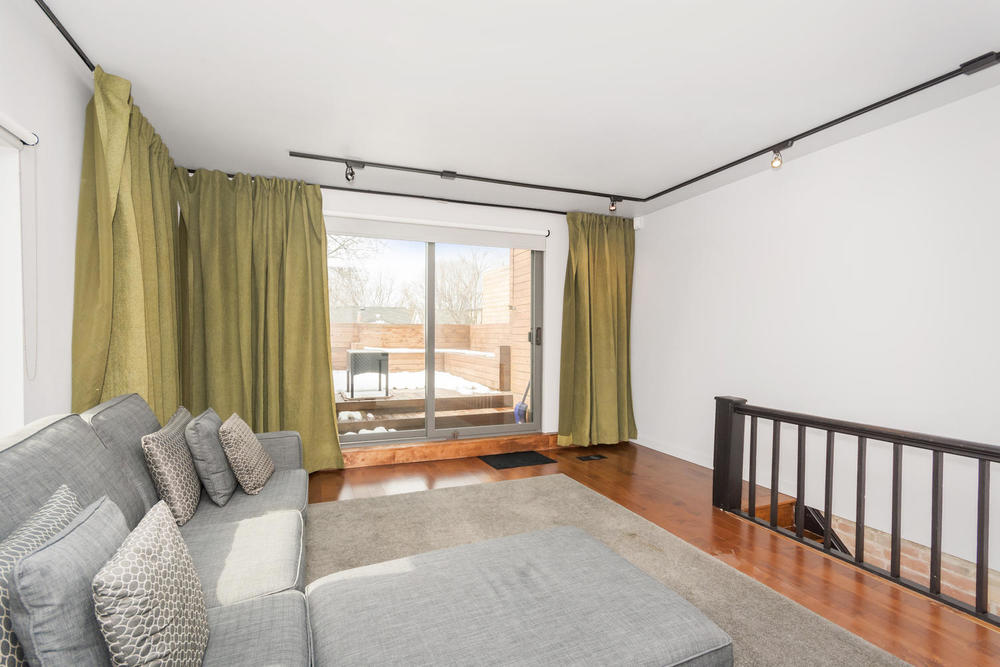 128 Booth Ave Toronto ON M4M-large-022-27-Bedroom 3-1500x1000-72dpi.jpg