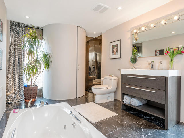 183 Seaton Street toronto ON-MLS_Size-022-22-Bathroom-640x480-72dpi.jpg