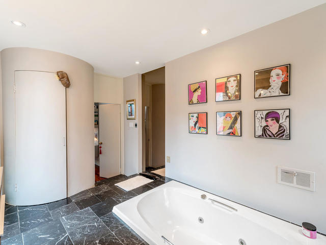 183 Seaton Street toronto ON-MLS_Size-025-25-Bathroom-640x480-72dpi.jpg