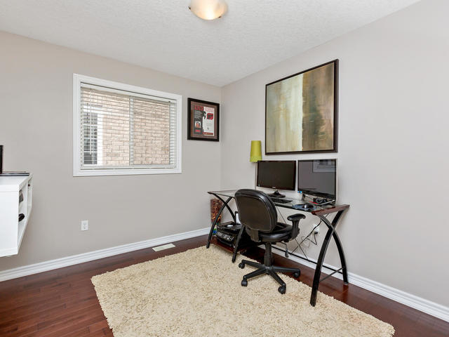 81 Soverigns Gate Barrie ON-MLS_Size-024-13-Bedroom-640x480-72dpi.jpg