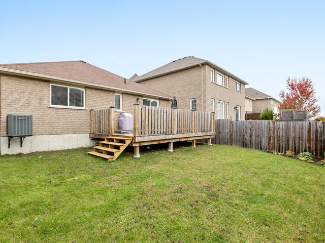 81 Soverigns Gate Barrie ON-MLS_Size-033-37-Exterior-640x480-72dpi.jpg