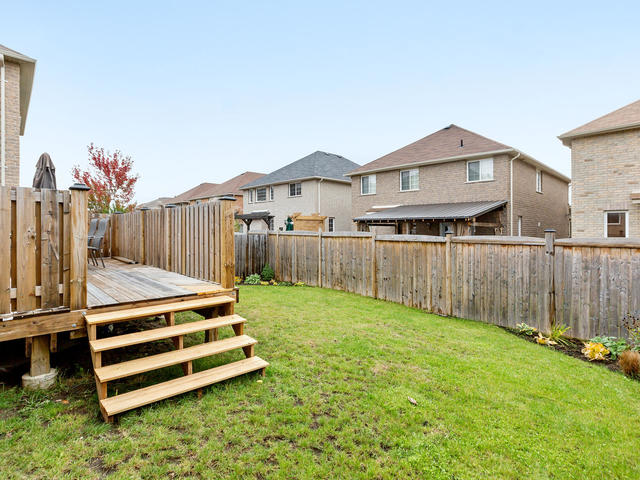 81 Soverigns Gate Barrie ON-MLS_Size-034-26-Exterior-640x480-72dpi.jpg