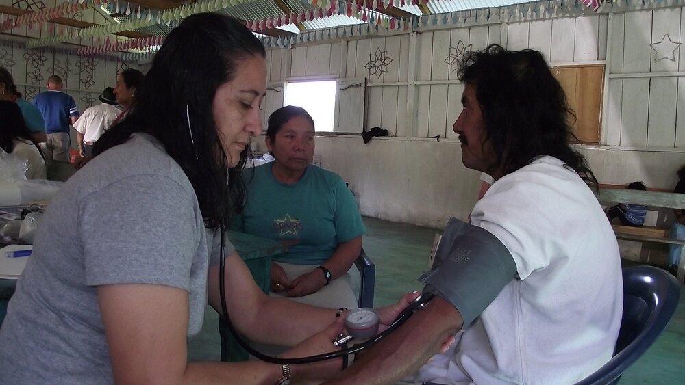 Dr. Lulú en poblado Naha selva lacandona (1).JPG