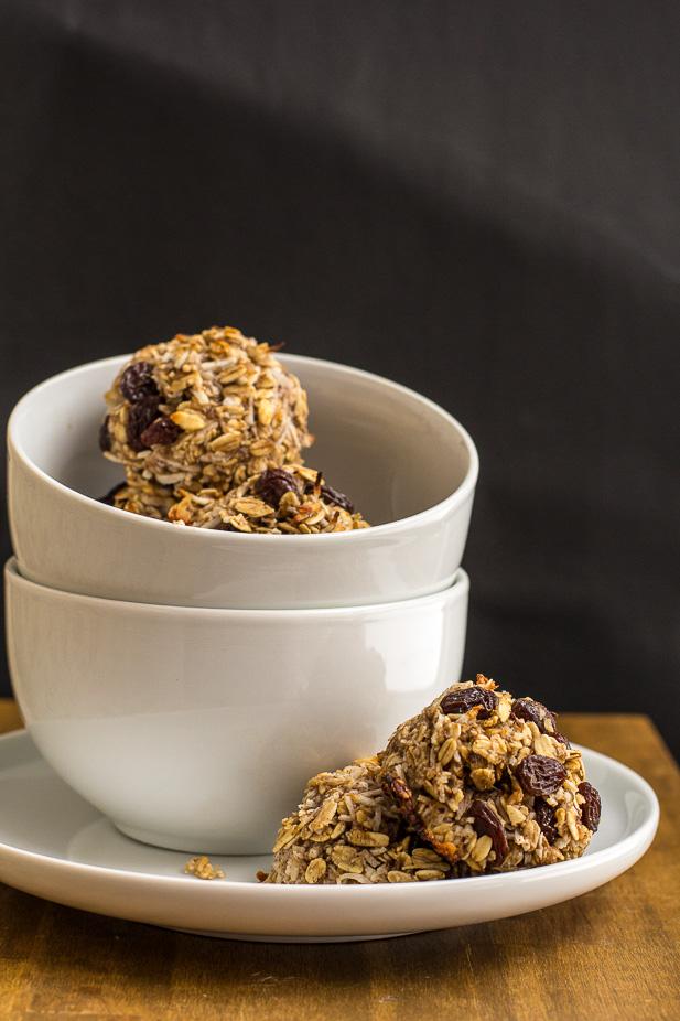 Flourless Vegan Breakfast Cookies | ediblesoundbites.com