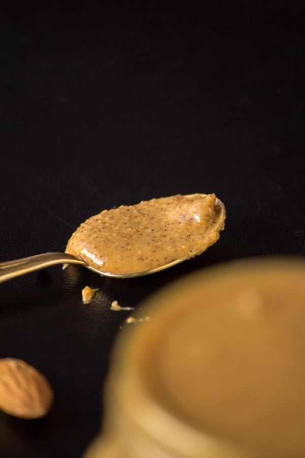 Vanilla Bean Almond Butter | ediblesoundbites.com