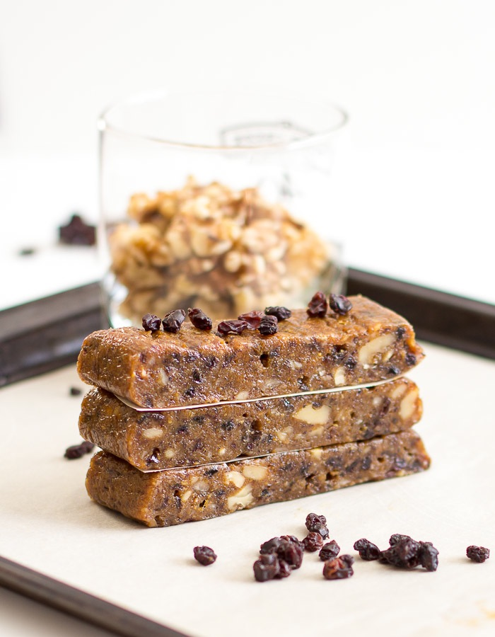 Blueberry Muffin Energy Bars | www.ediblesoundbites.com