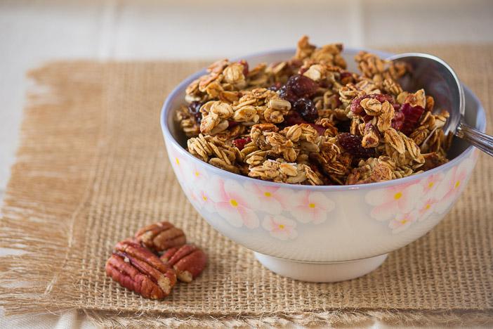 Maple Pecan Cluster Granola | ediblesoundbites.com