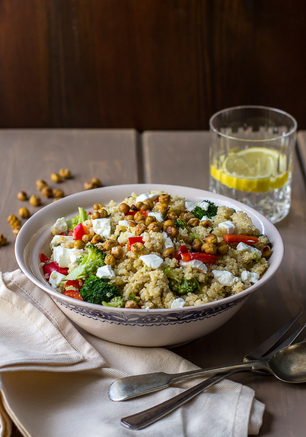 Quinoa Veggie Salad with Roasted Chickpeas | ediblesoundbites.com
