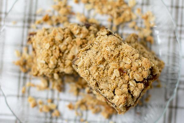 The Best Date Squares |ediblesoundbites.com