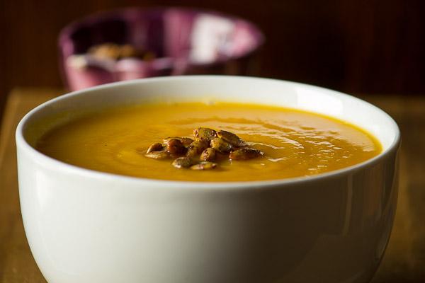 Roasted Butternut Squash Soup | ediblesoundbites.com