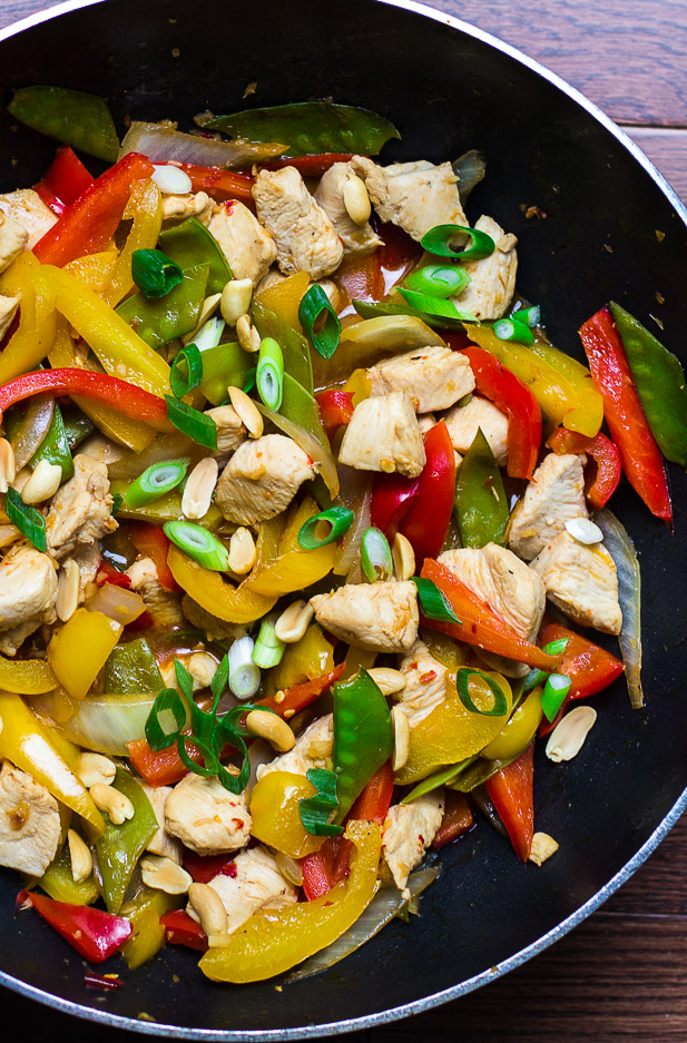 Szechuan Chicken Stir-Fry | ediblesoundbites.com #chicken #cleaneating #takeout