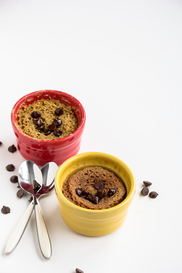 Healthy Chocolate Chip Mug Cake | ediblesoundbites.com