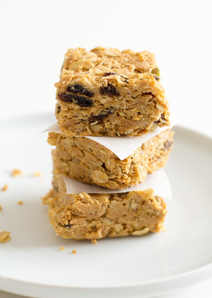 No-Bake Peanut Butter Energy Bars | via ediblesoundbites.com