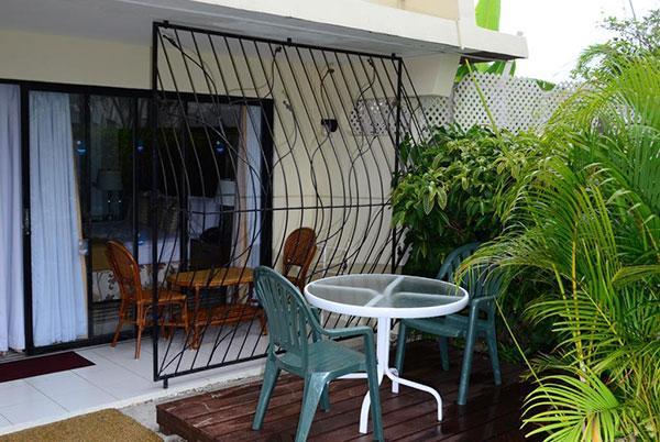 Pirates-Inn-14.jpg